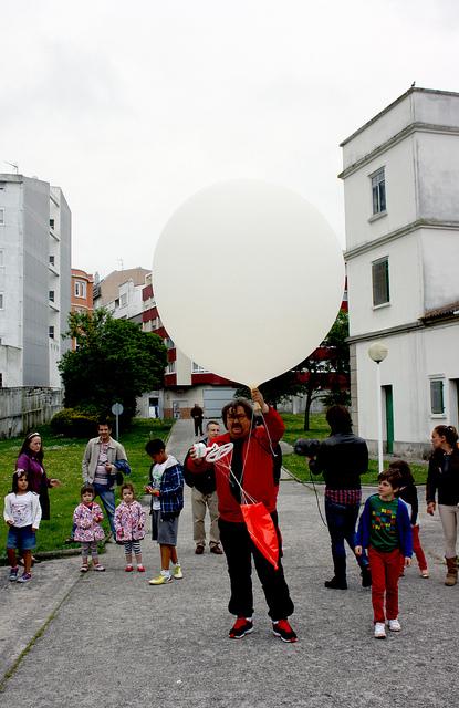O lanzamento do globo do Observatorio Meteorolóxico